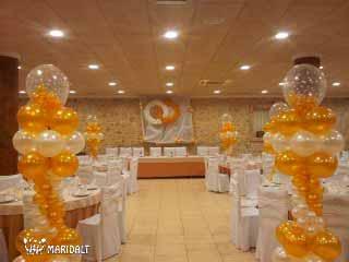Globo con helio para los niños son útiles para distraer a los niños y que no toquen las columnas y arcadas de la decoración. estrella boda casament